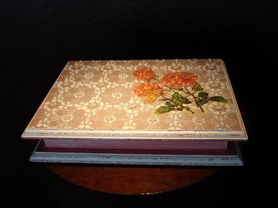 caixa com pátina vela