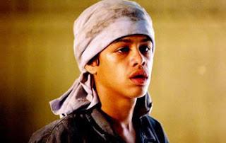 Maxwell Nascimento interpretando Querô