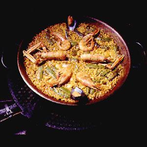 Bon App 233 Tempt Shellfish Paella Amp Other Spanish Stuff
