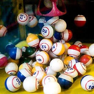 Image of Bingo balls.