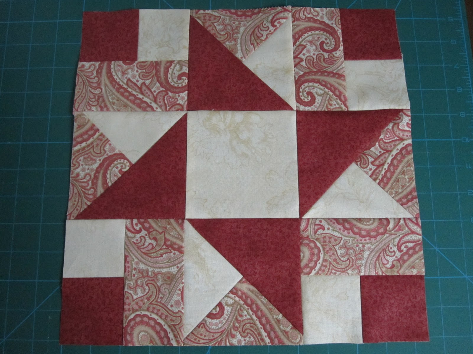 Layer Cake Quilt Definition : EL PETIT TALLER: Layer Cake Quilt Along - Block 1