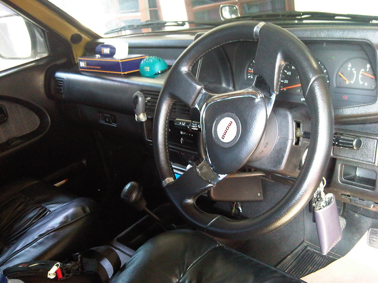 mp3, power window, alarm remote, sarung jok kulit,
