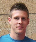 Se trata de Víctor Alonso García, juega de extremo y lateral derecho y es una de las jóvenes promesas del balonmano nacional. - Victor%2BAlonso