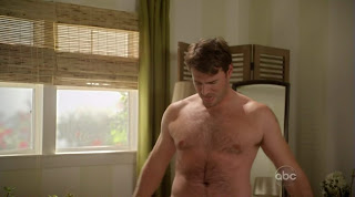 Scott Foley Shirtless on Cougar Town s1e12