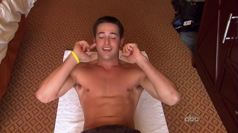 Tyler Vermette Shirtless on the Bachelorette s6e01