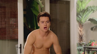 Nick Zano and Dan Byrd Shirtless on Cougar Town s1e06