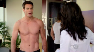 Aaron Blake Shirtless on Cougar Town s1e10