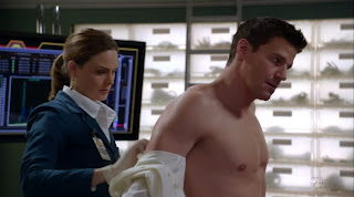 David Boreanaz Shirtless on Bones s5e10
