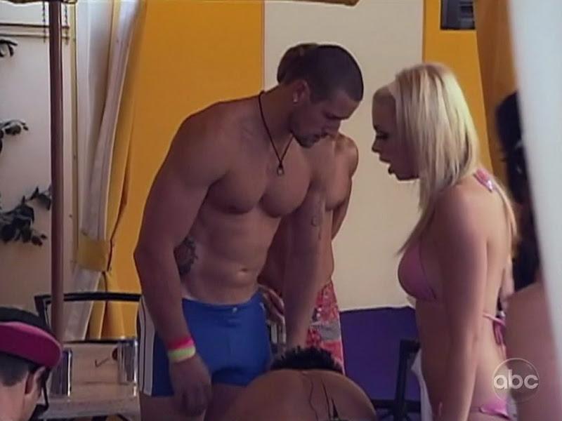Taylor Bills Shirtless on True Beauty s2e02