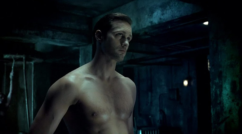 Alexander Skarsgard Shirtless on True Blood s3e01