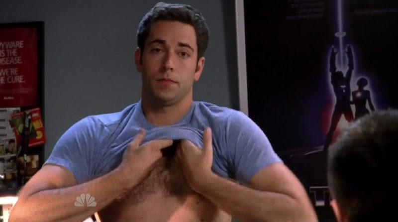 Zachary Levi Shirtless on Chuck s4e01