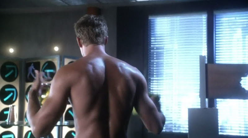 Justin Hartley Shirtless on Smallville s10e03