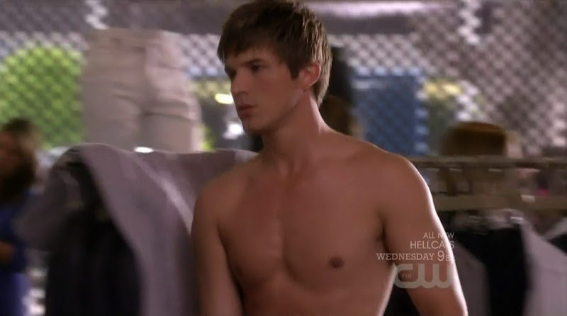 Matt Lanter Shirtless on 90210 s3e06