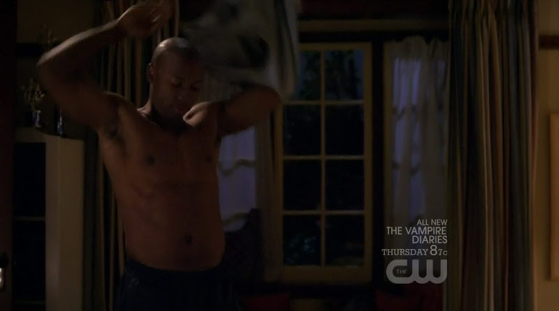 Matt Barr Shirtless on Hellcats s1e08
