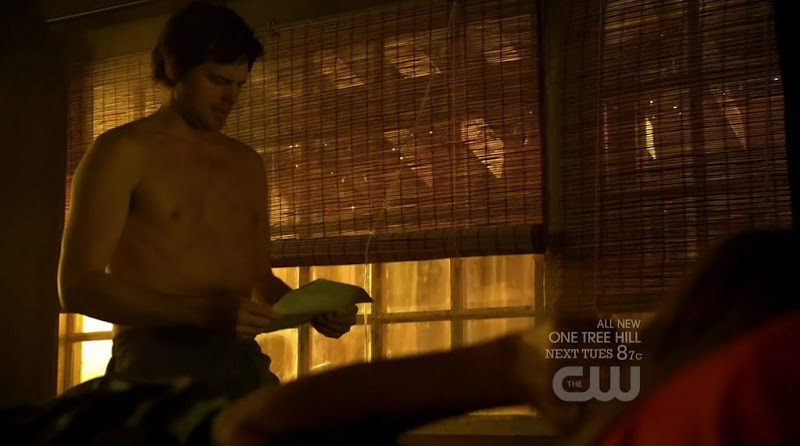 Kristoffer Polaha Shirtless on Life Unexpected s2e12