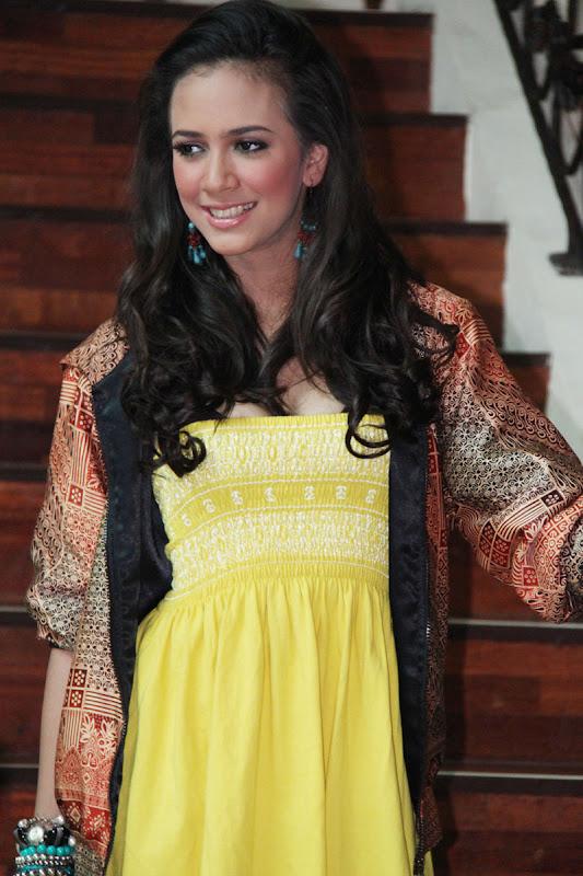Foto Nadine Alexandra Dewi Ames Puteri Indonesia 2010