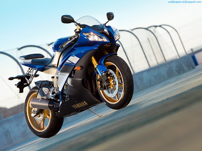 Yamaha Sports Bike Standard Resolution Wallpaper
