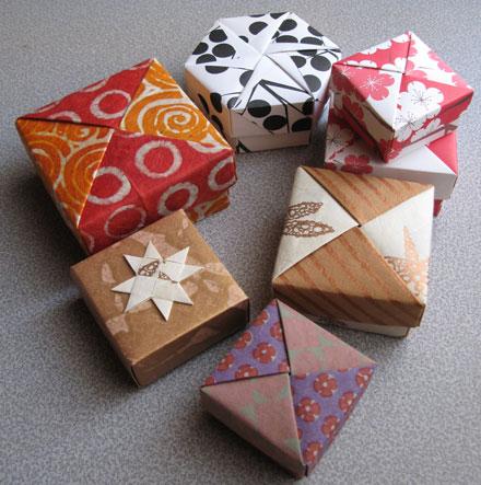 пошаговая схема сборки корзинка с цветами модульное оригами.