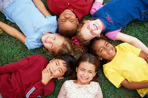 http://1.bp.blogspot.com/_AHvCp27cvGo/TNssaAoTXTI/AAAAAAAAAG0/0rgRGrh6Ukk/s1600/multicultural_kiddos1.jpg