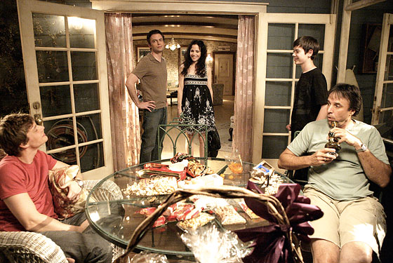weeds season 1. In Weeds Season 6 Episode 11