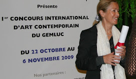 Mme Béatrice Brych Présidente du GEMLUC announces the GemlucArt Jury Award to Sumio Inoue