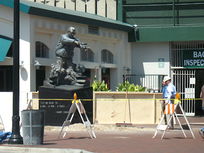 harry caray statue 3