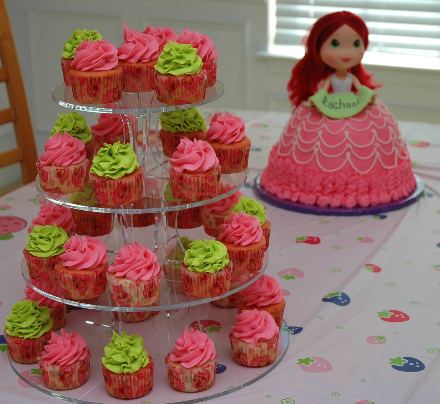 strawberry shortcake doll cake was my first time making a doll cake ...