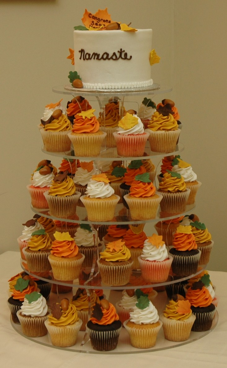 Fall Themed Cupcake Ideas http://tarascupcakes.blogspot.com/2010/11/autumn-wedding-cake-and-cupcake-tower.html