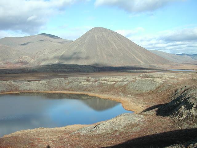 на чукотке озера с голубой водой