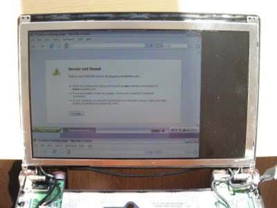 Cramming An Eee PC 900 Display Into 701