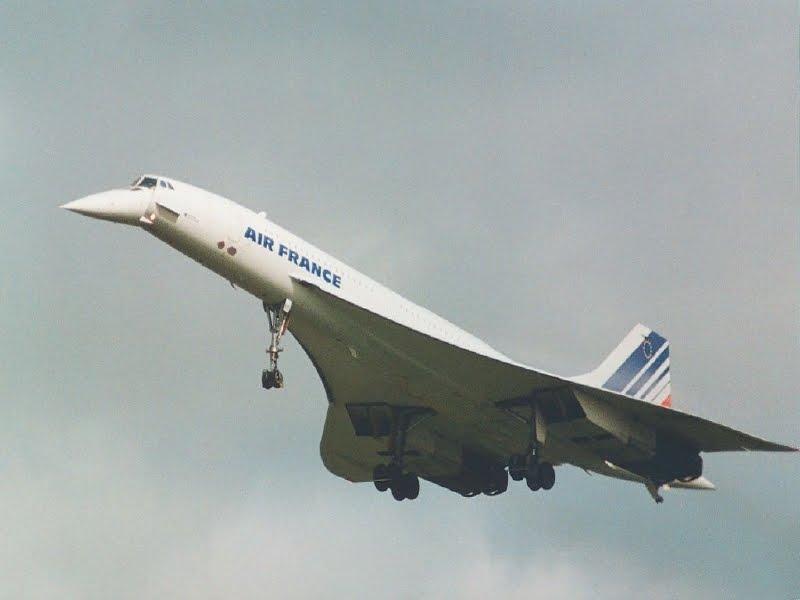 Si cantik Concorde yang mahal. Terbang dengan kecepatan supersonik sejak 1969, celaka pada 2000. Pensiun pada 2003 karena jumlah penumpangnya terus turun.