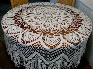 HAND CROCHETED TABLECLOTH ? Crochet For Beginners