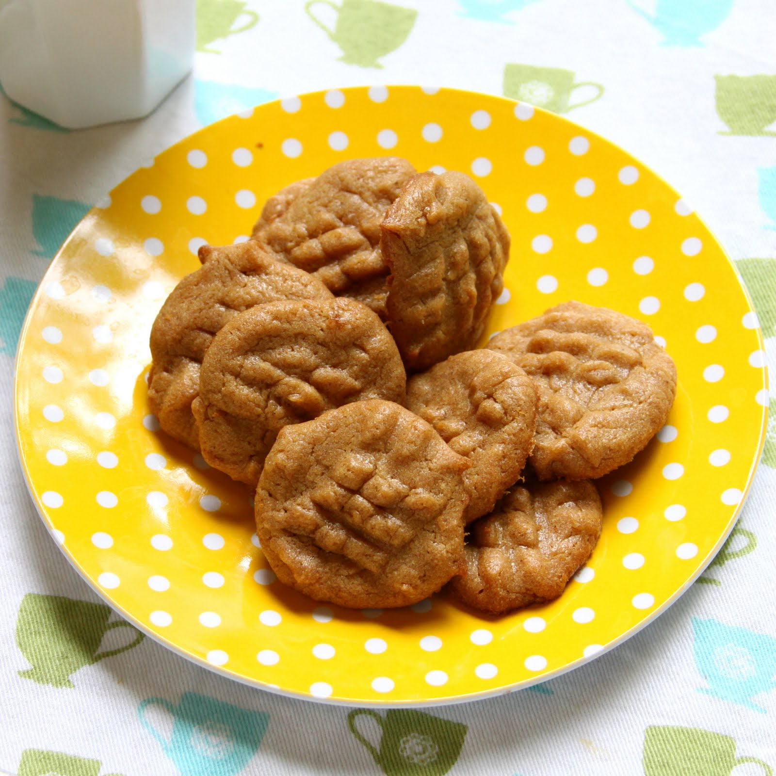 ShowFood Chef: Almond Butter Cookies - Simple Saturday and Gluten Free