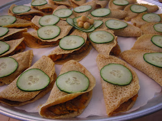 Showfood chef dosas at the slow food picnic daring cooks meet then i brought them proudly to my neighborhood slow food picnic it was a large platter of fragrant colorful vegan delectables that were literally forumfinder Gallery