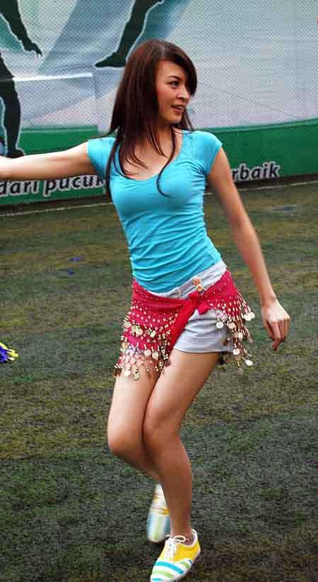 Foto-Foto Cantik Donita (Bonus Siang Hari dari sinto EDAN)