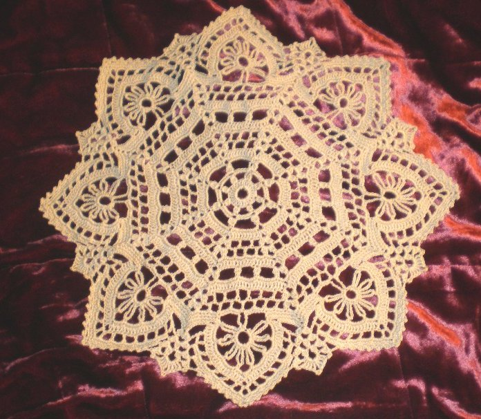 crocheted lace: Elegant and Easy Doily