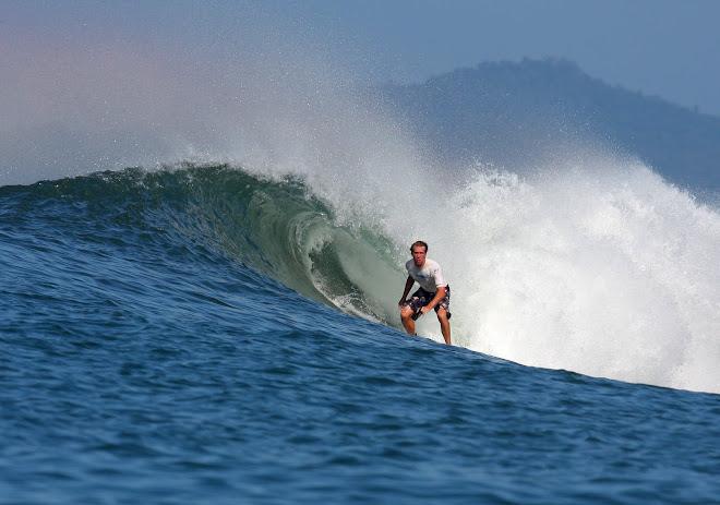Santa Catalina Surfing Panama