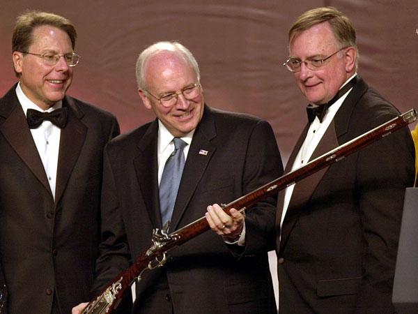 Bruce Willis macht sich ber US-Vizeprsident Cheney lustig
