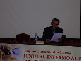 El Pbro. Dr. Luis Anaya a cargo de la síntesis del primer día del Congreso