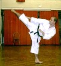 Shotokan Karate - Yoko-geri-kekomi