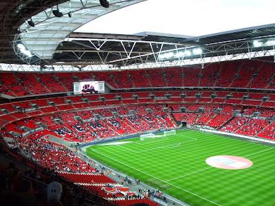 http://1.bp.blogspot.com/_Aevku0taFDk/SdYsvHdQAEI/AAAAAAAAAUw/HMVJkt7T8qc/s400/31+Wembley+inside+re.jpg