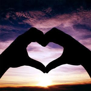 http://1.bp.blogspot.com/_AewOrGtabTg/TCs_TDg3YJI/AAAAAAAAAHc/2-ykbuzfjn0/s320/heart-208.jpg