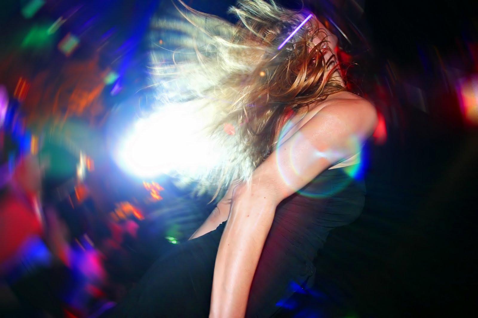 Секс танцы девочек на дискотеках 3 фотография