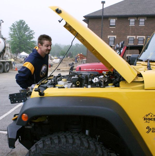 http://1.bp.blogspot.com/_Ah1YLDg8Hfg/TBvYOWOOqRI/AAAAAAAAPMU/CR3bkHZ-sfg/s1600/Jeep+Jamboree+010+%5B50%25%5D.jpg