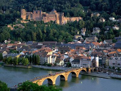 http://1.bp.blogspot.com/_AjG0kUWnKhI/TCQvihocMbI/AAAAAAAABCU/jU9byiHrnaI/s1600/Heidelberg.jpg