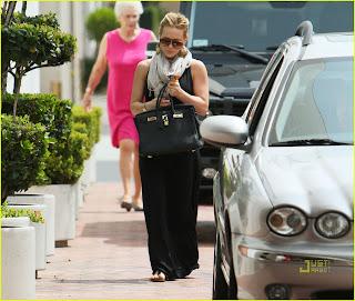 Hilary Duff : Go For Shopping Shoe Neiman Marcus