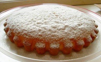 Ricetta semplicissima: la torta allo yogurt fatta coi vasetti