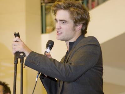 Robert Pattinson Singing on Robert Pattinson Singing Jpg
