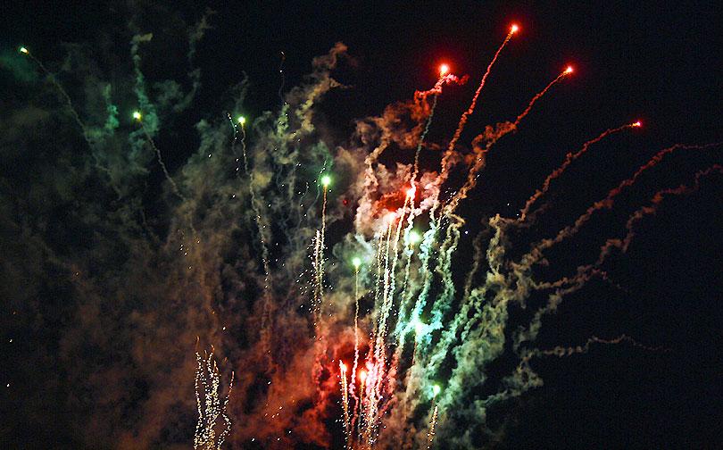 traca focs artificials canovelles festa major fuegos artificiales fiesta mayor