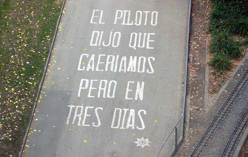 pintada terra suelo grafitti paraules palabras words piloto caer caure high fall altura